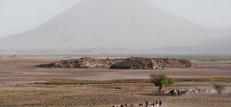tanzania safari destinations lake natron oldonyo lengai
